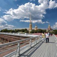 А вы гуляли по стенам Петропавловки? :: Евгений Никифоров