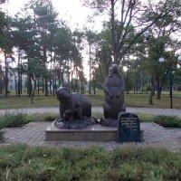 Памятник семье сурков в п. Купянск-Узловой :: Викторина Срыбна