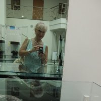 На выставке в АВЕКе :: Наталья Тимошенко