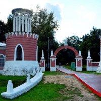 Ворота Воронцовского парка. :: Oleg4618 Шутченко