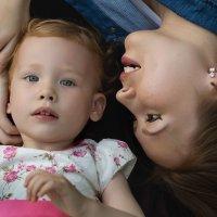 Мама и дочка :: L. Anna