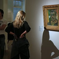 "в музее (Поль Гоген ""Автопортрет"") :: Александр Корнелюк"