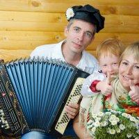 Семейная фотосессия в студии :: марина алексеева