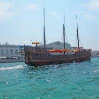 В гавань заходили корабли... :: Эля Юрасова