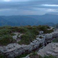 Сумерки над Большим Бермамытом. Высота 2500 м. Через несколько минут наступит ночь. :: Vladimir 070549