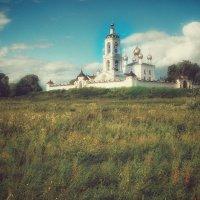 Монастырь на холме :: Дмитрий Багаев