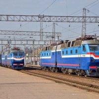 Электровозы ЧС7-022 и ЧС7-065 :: Денис Змеев