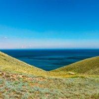 Прогулки в Феодосии :: Павел Голубев