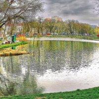 осень в Дюковском саду :: Александр Корчемный