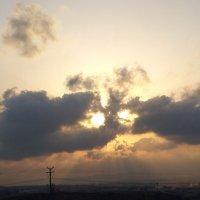 Крокодил в небе солнце проглотил. :: Валерьян