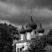 Ярославль. Федоровский храм :: Михаил Крекин