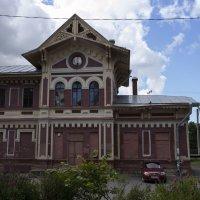 Пригородный вокзал(вход,со стороны платформы) :: Aнна Зарубина