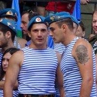Бравые ребята. :: Лариса Авдонина