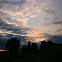 Небо с утра что-то хмуриться стало... :: Евгений Юрков