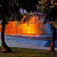 Закатное с подлодкой в парке :: Татьяна Губина