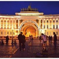 Уличный концерт на Дворцовой площади :: Олег Назаров