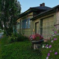 А мне милей не шумные, милей одноэтажные...)) :: Владимир Хиль