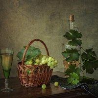 С виноградом нового урожая :: Ирина Приходько