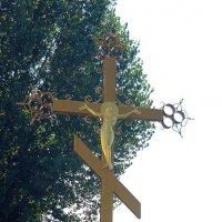 Крест у перекрёстка :: Вера Щукина