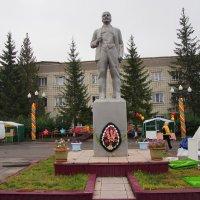 памятник В Ленину !!!! :: Василий Щербаков