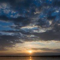 Закат над Камой 2 :: Вадим Конышевский