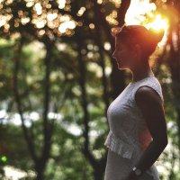 Солнце в волосах лежит у тебя на снимке :: Алёна Андреяненкова