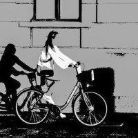 велосипедист-невидимка.... :: Владимир Шутов