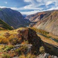 Вид на каньон Чулышман с перевала Кату-Ярык :: Альберт Беляев