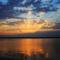 Закат над Бугом. Август. :: Olga Volkova