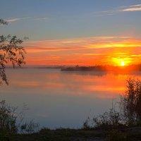 Рассвет над Липовым :: Алексей Астапенко
