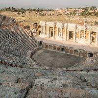 древнеримский театр античного города Иерополис в Памуккале :: Андрей ЕВСЕЕВ