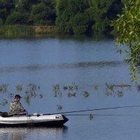 рыбалка с лодки :: Сергей Цветков