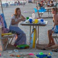В редкие минуты покоя или пока дети с папами.. :: Юлия Бабитко