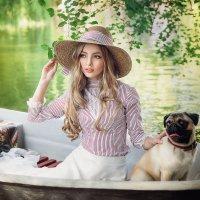 Барышня с собачкой :: Ирина Кривова