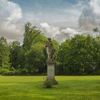 "Скульптура ""женщина с гусем"" :: Alx NOname"