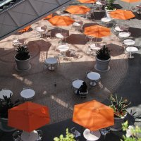Зонтики , столики :: Николай Танаев