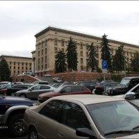 Автомобили, автомобили буквально все заполонили... :: Anna Gornostayeva