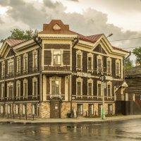 Ресторан на площади Батенькова :: Дмитрий Потапкин