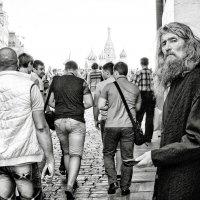 На площадь :: Александр Александров