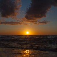 Морской пейзаж :: Виталий Старков