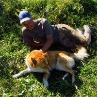 Пастух Виктор с главным охранником стада :: Андрей Лукьянов