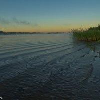Раннее утро на Волге. :: Виктор Евстратов