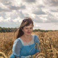 девушка на поле :: Александр Заяц