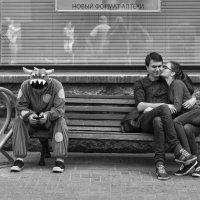 На скамейке # 3 :: Александр Степовой
