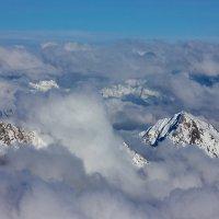В облачном море :: Александр Чазов