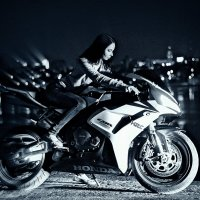 Девушка на мотоцикле :: Элла Мережская