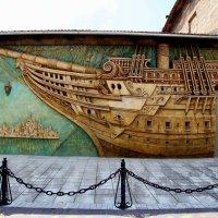 Плывёт по улице корабль... :: Ирина Фирсова