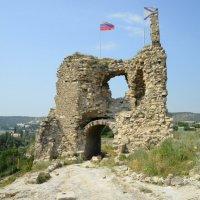 Надвратная башня крепости Каламита в Инкермане.г.Севастополь.Крым :: Полина Бесчастнова