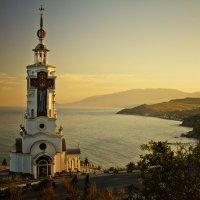 Храм-маяк Святого Николая Чудотворца :: ЕВГЕНИЙ Кириллов