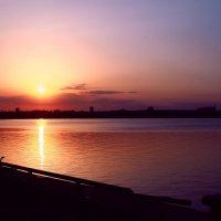 Закат на реке :: Константин Стробин